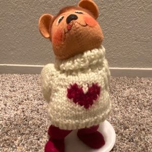 """2002 Annalee Doll 7"""" A Gift From The Heart Bear"""